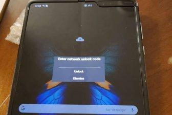 Гибкий смартфон Samsung Galaxy Fold впервые показался на «живом» (видео)